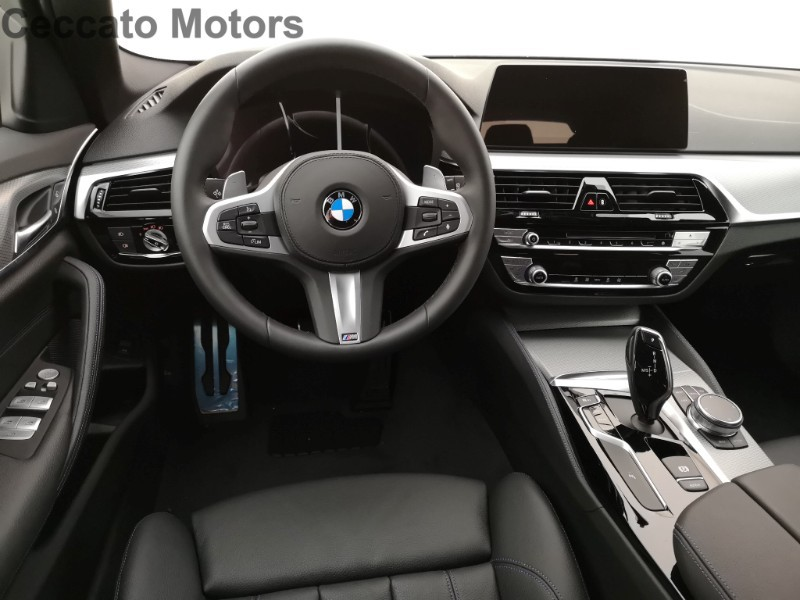 BMW Serie 5 518d Touring Msport