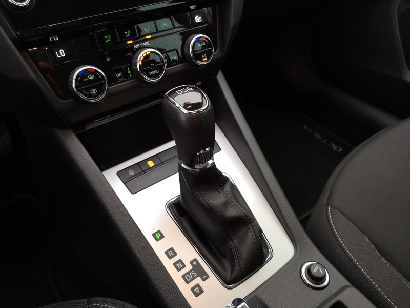 skoda Octavia 1.6 tdi cr 115 cv dsg wagon executive
